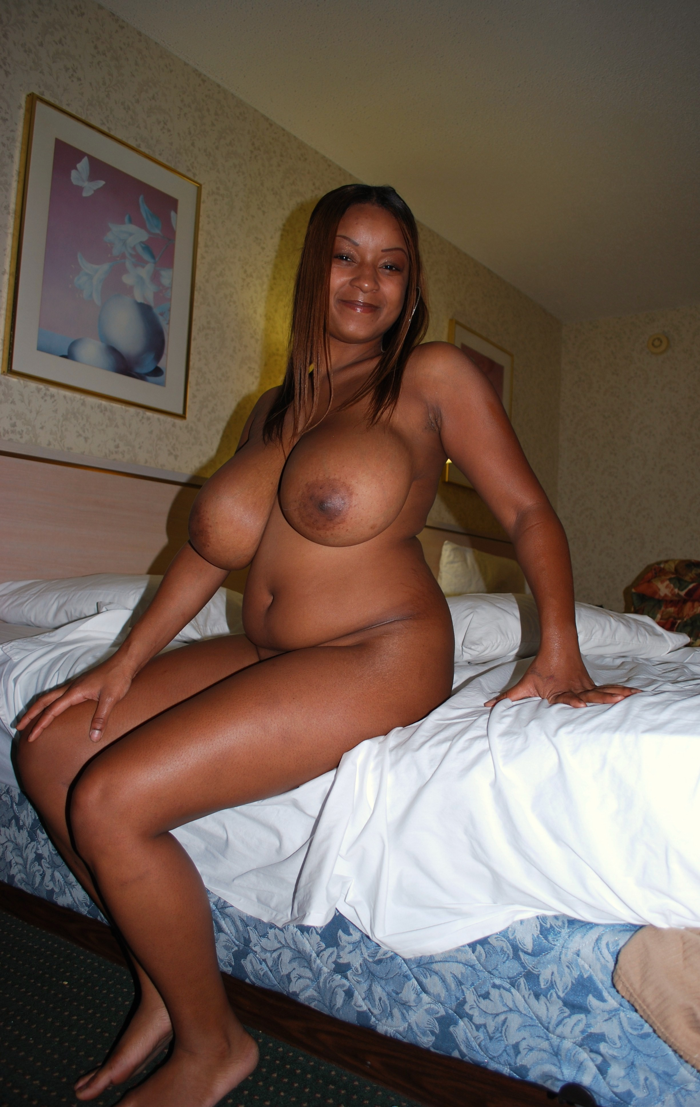 image Mature with huge tits has fun