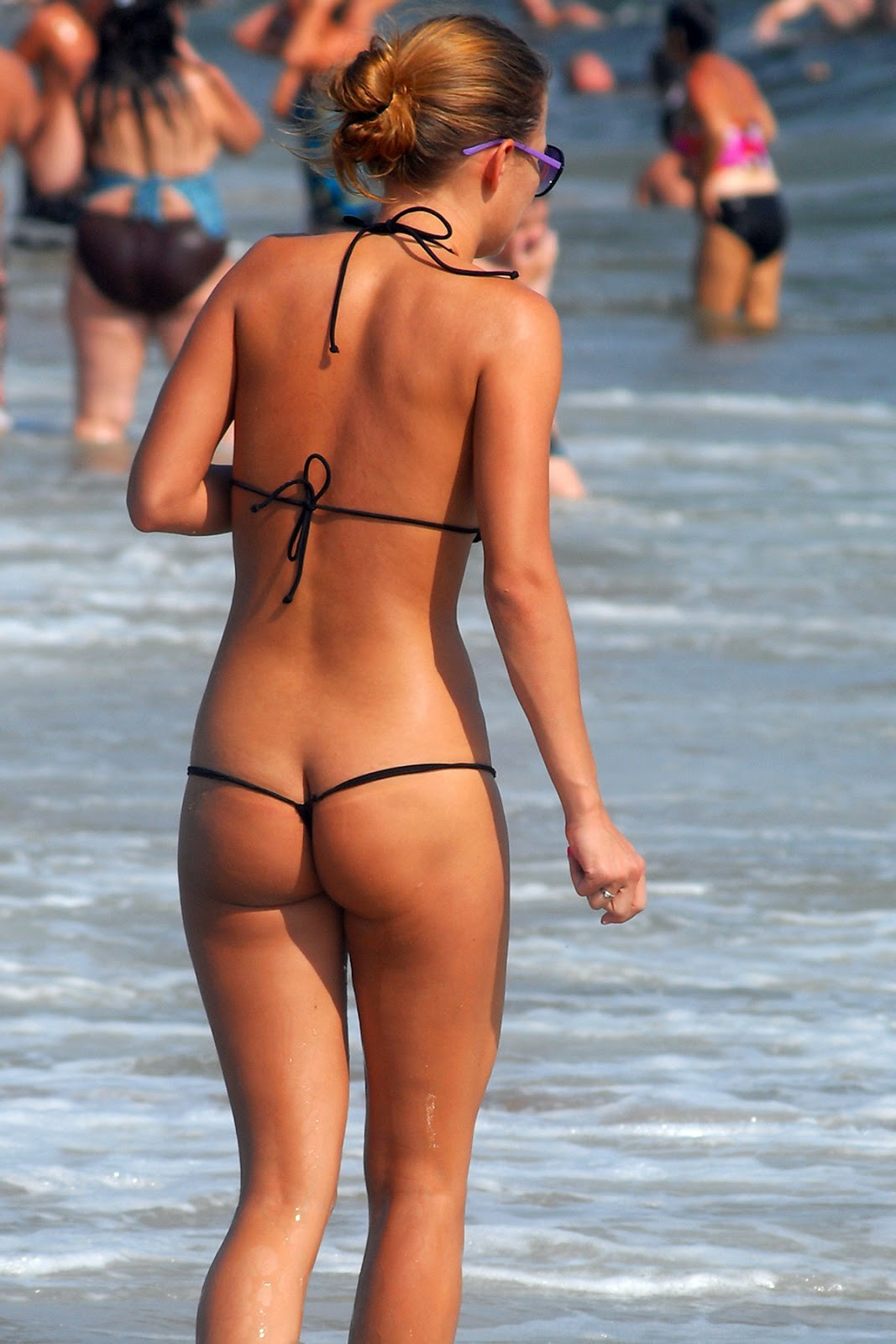 g string panty girl in goa beach hd pictures