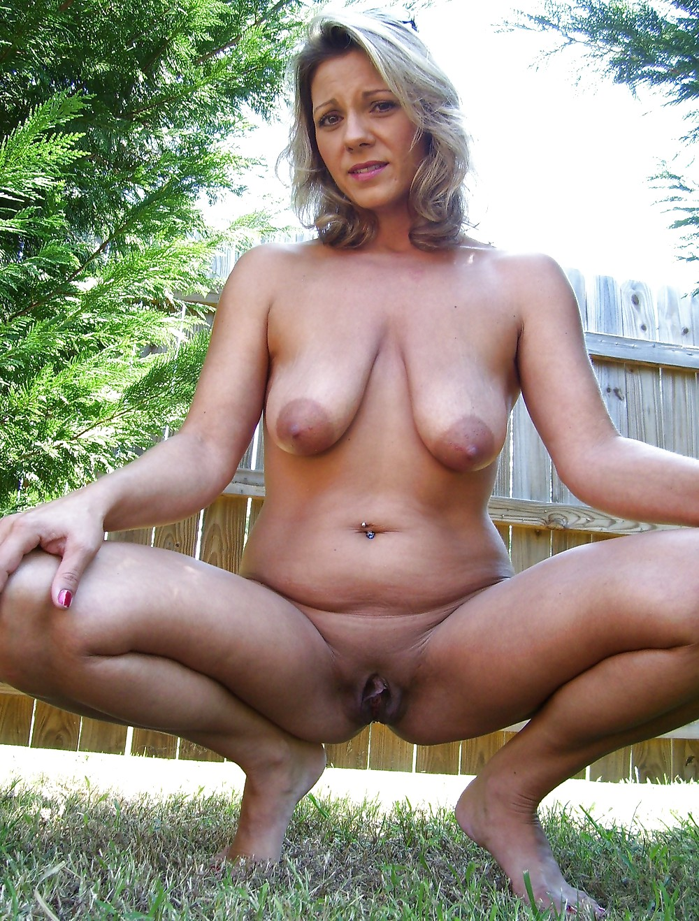 Mature with small saggy tits makes herself cum and squirt 6