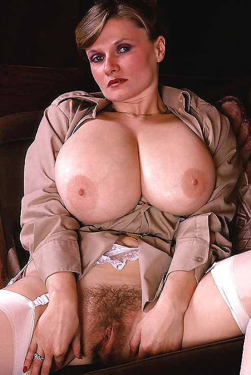 Retro vintage big tits boobs