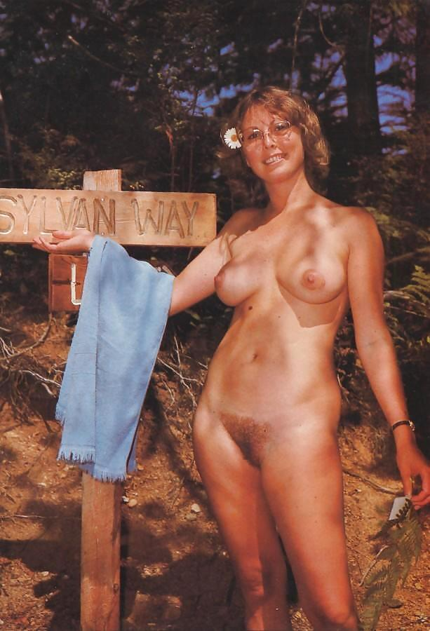 pictures of nudist clubs